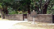 Dubignon_cemetery2_1